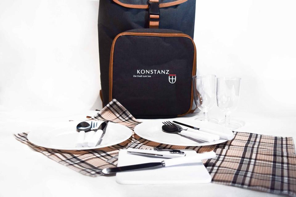Konstanz-Merchandise-Picknick-Rucksack-Inhalt_Copyright_MTK-Franziska-Heinz