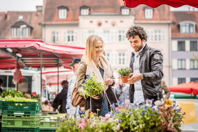 Konstanz-Wochenmarkt-03_Fruehling_Copyright_MTK-Dagmar-Schwelle