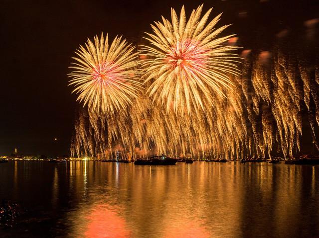 Konstanz-Seenachtfest-Feuerwerk-01_Sommer_Copyright_MTK-Bruno-Sternegg