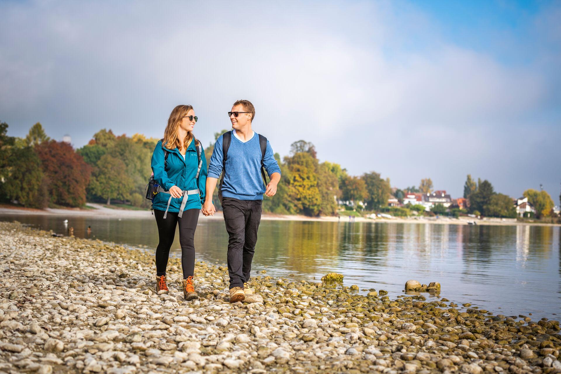 Konstanz-Bodensee-Ausflug-Spaziergang-Wandern-Seeufer-Strand-01_Herbst_Copyright_MTK-Dagmar-Schwelle