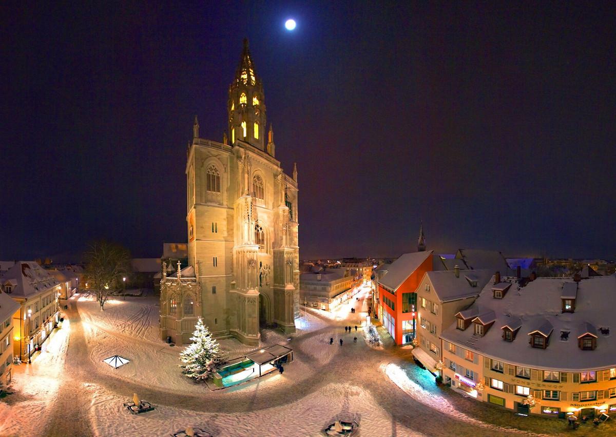Konstanz_Weihnachtsmarkt_Abendstimmung-Muenster-Weitwinkel-01_Copyright_MTK_Achim-Mende
