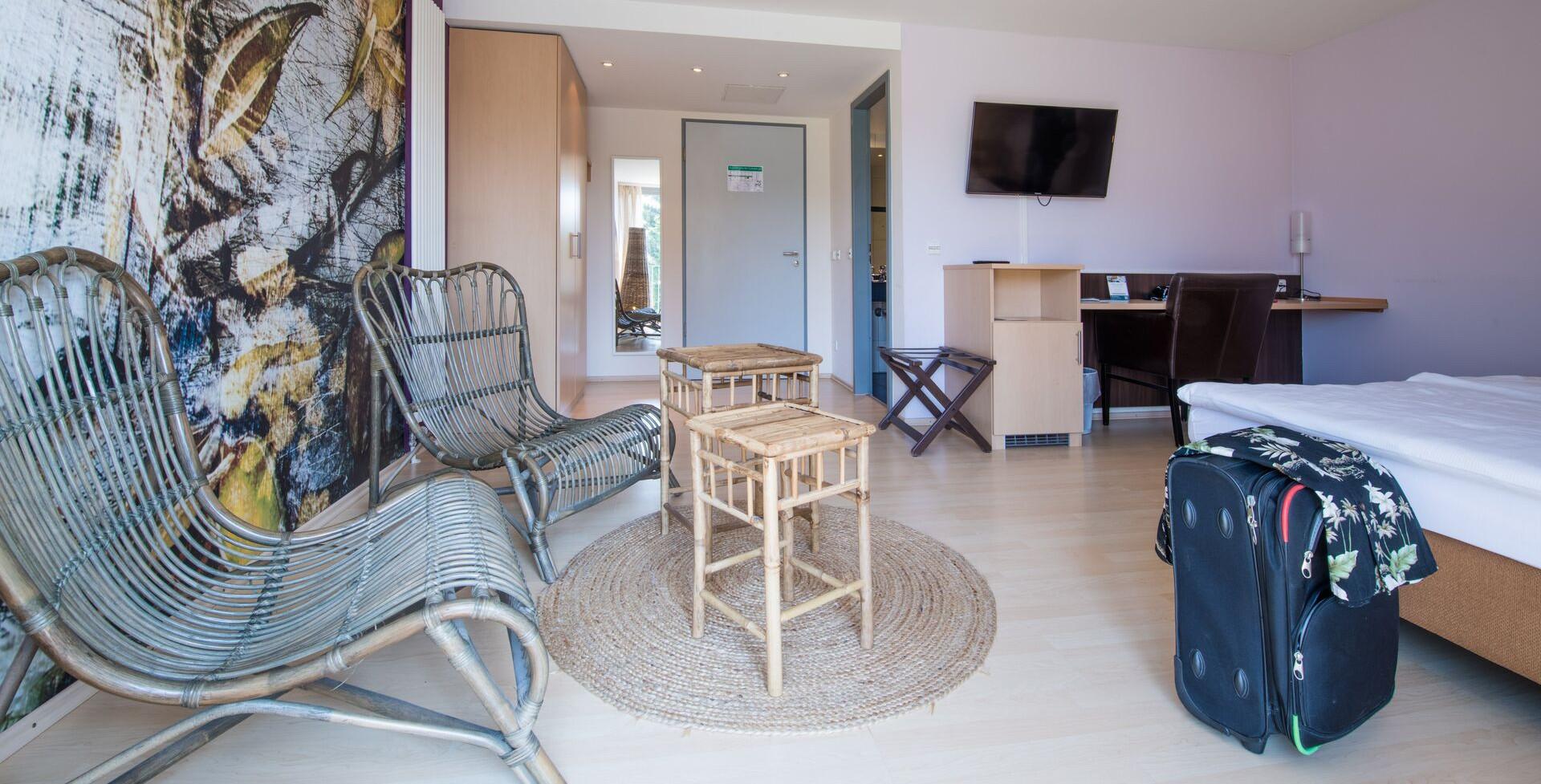 Konstanz-Hotel-KoOno-Zimmer-Bett-07_Copyright_MTK-Chris-Danneffel