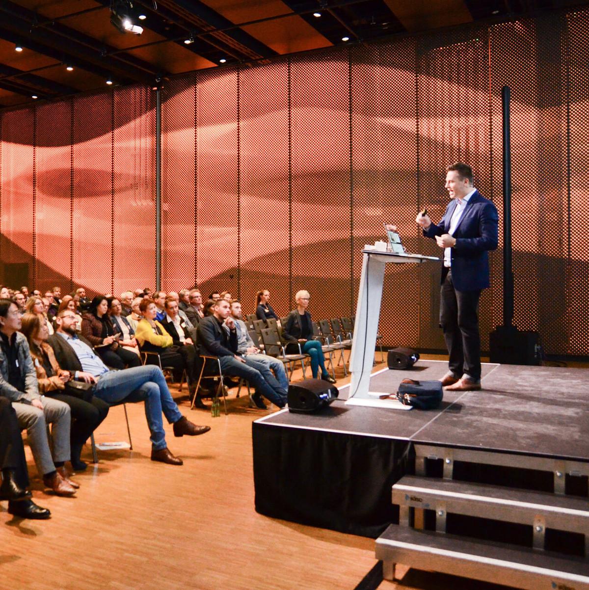 Konstanz-5-Unternehmerfruehstueck-2017-Bodenseeforum-04_Copyright_MTK-Marion-Baumeister