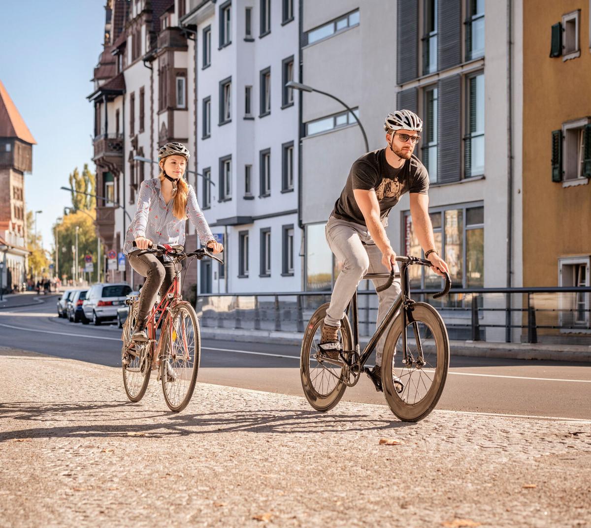 Konstanz-Rheinsteig-Rheintorturm-Fahrradtour-Freizeit-02_Herbst_Copyright_MTK-Dagmar-Schwelle