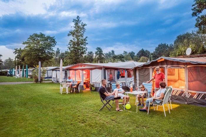 Konstanz-Campingplatz-Klausenhorn-Bodensee-Hauszelte-02_Herbst_Copyright_MTK-Dagmar-Schwelle