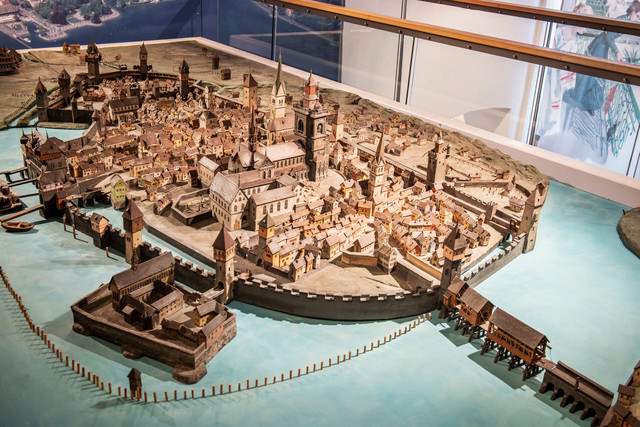 Konstanz-Rosgartenmuseum-Ausstellung_Stadtmodell-01_Herbst_Copyright_MTK-Dagmar-Schwelle