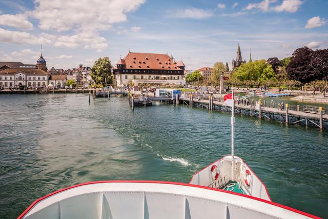 Konstanz-Hafeneinfahrt-vom-Schiff-01_Fruehling_Copyright_MTK-Dagmar-Schwelle