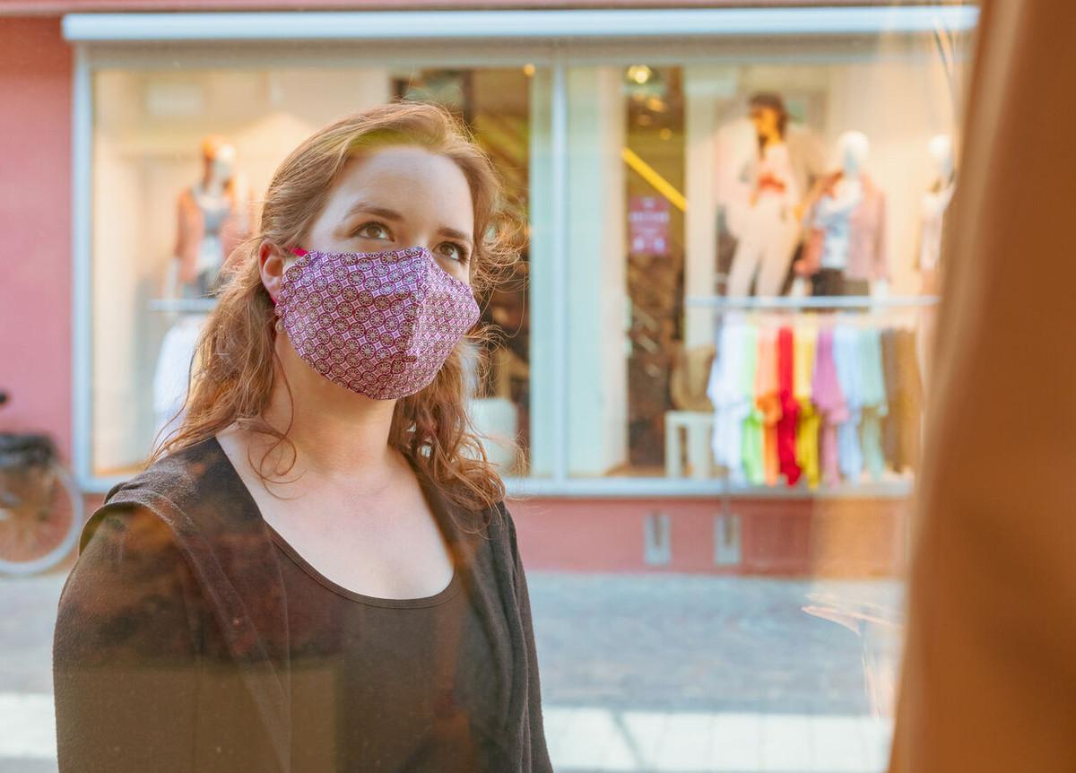 Konstanz-Corona-Maske-Schaufenster-01_Fruehling_Copyright_MTK-Chris-Danneffel
