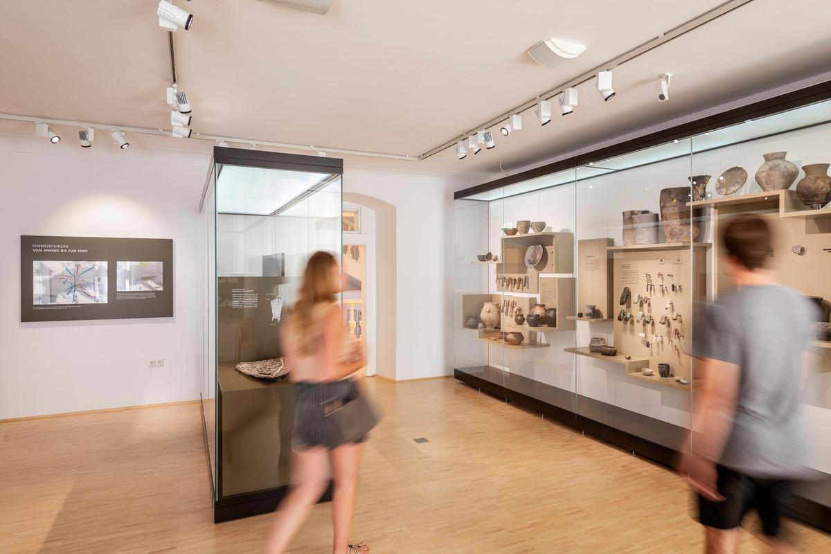 Konstanz-Archaeologisches-Landesmuseum-Vitrinen-03_Spaetsommer_Copyright_MTK-Dagmar-Schwelle