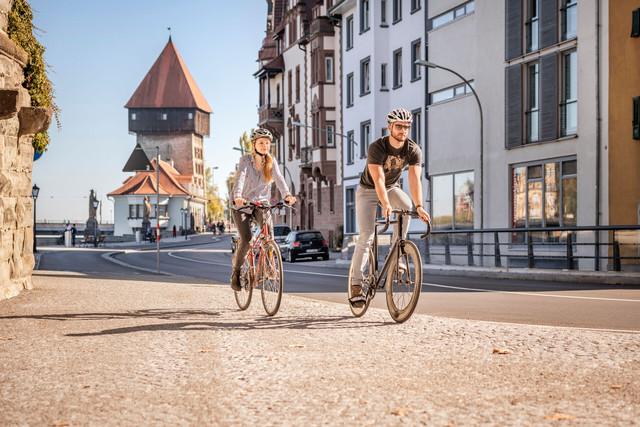 Konstanz-Rheinsteig-Rheintorturm-Fahrradtour-Freizeit-01_Herbst_Copyright_MTK-Dagmar-Schwelle