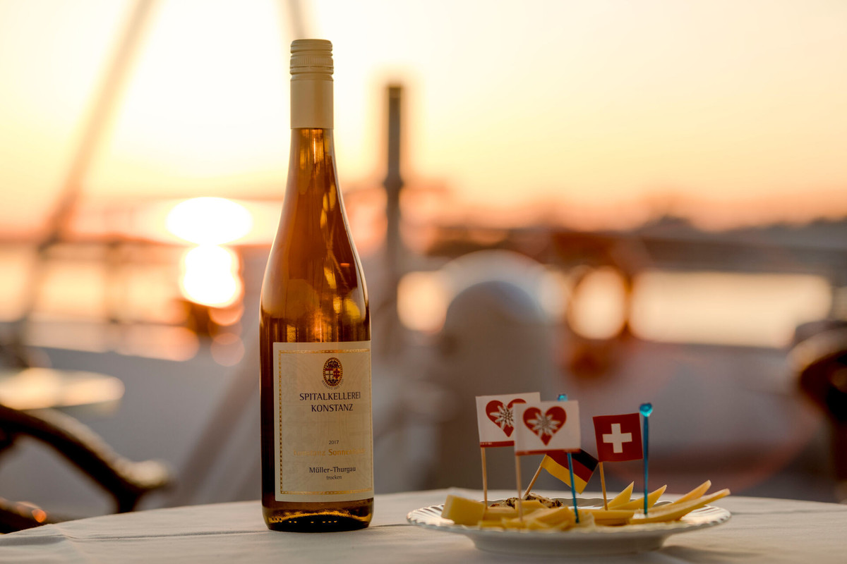 Genuss-Schiff-Wein-Kaese-BSB-Schifffahrt-Spitalkellerei-01_Copyright_MTK-Roberto-Scano