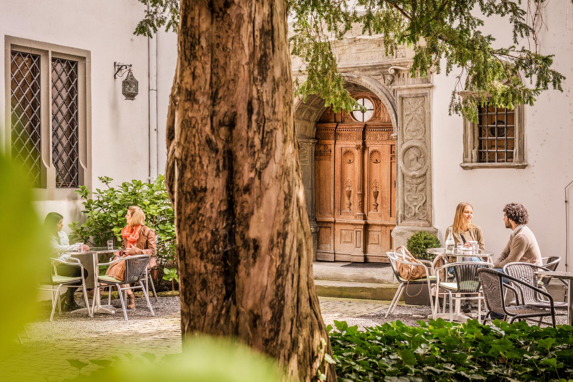 Konstanz-Rosgartenmuseum-Innenhof-03_Fruehling_Copyright_MTK-Dagmar-Schwelle