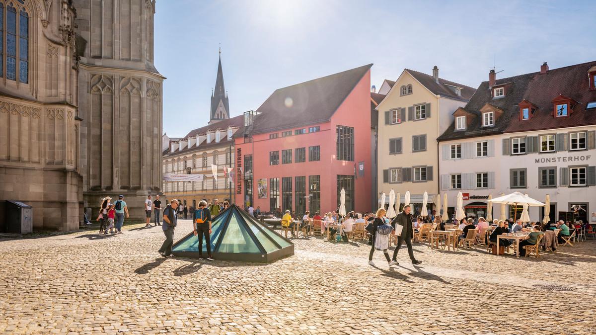 Konstanz-Muensterplatz-Kulturzentrum-Pyramide-Muensterhof-02_Herbst_Copyright_MTK-Dagmar-Schwelle