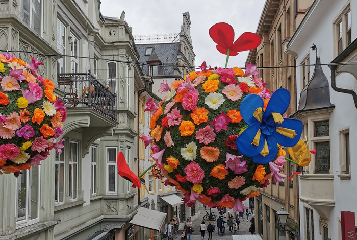 PM BlumenBall mit Kunst