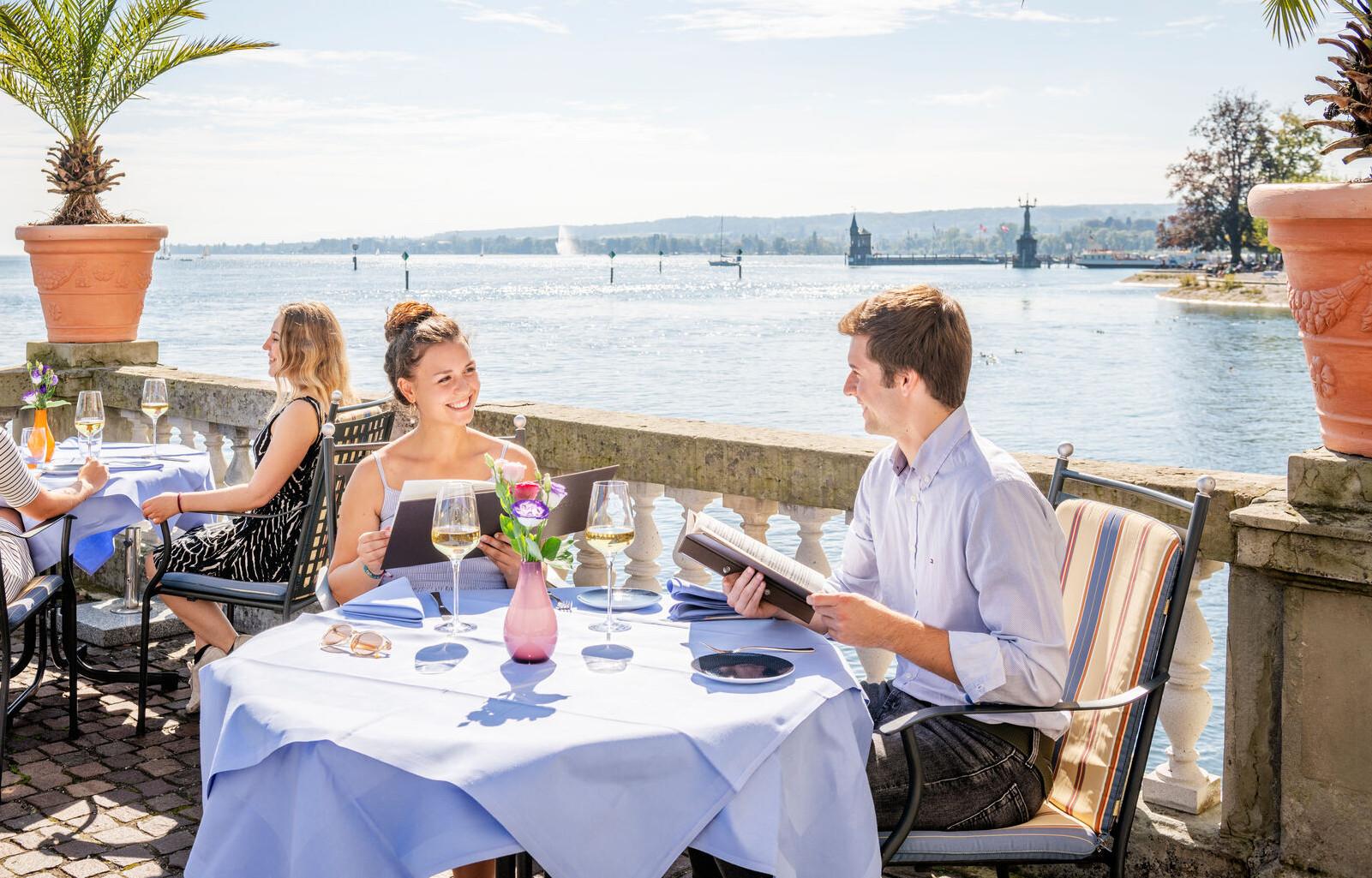 Konstanz-Gastronomie-Steigenberger-Terasse-Dinner-01_Spaetsommer_Copyright_MTK-Dagmar-Schwelle