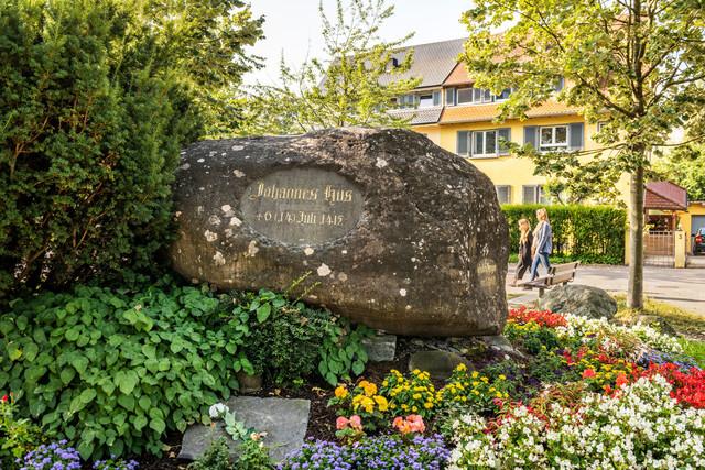 Konstanz-Hussenstein-Gedenkstaette-Jan-Hus-01_Spaetsommer_Copyright_MTK-Dagmar-Schwelle