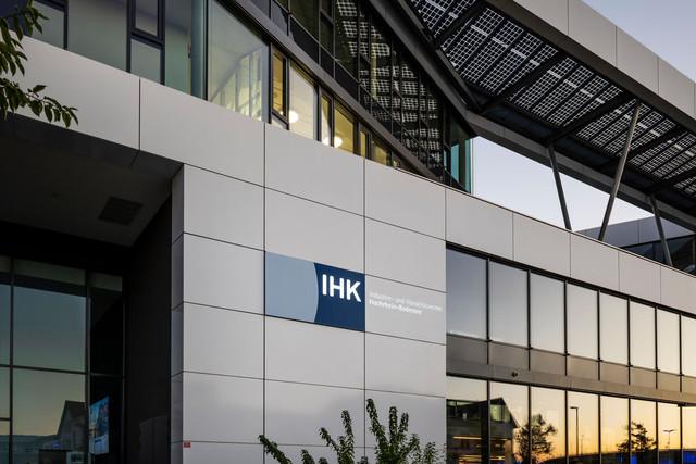 Konstanz-Seerhein-Industrie-und-Handelskammer-IHK-Bodensee-Architektur-02_Copyright_MTK-Dagmar-Schwelle