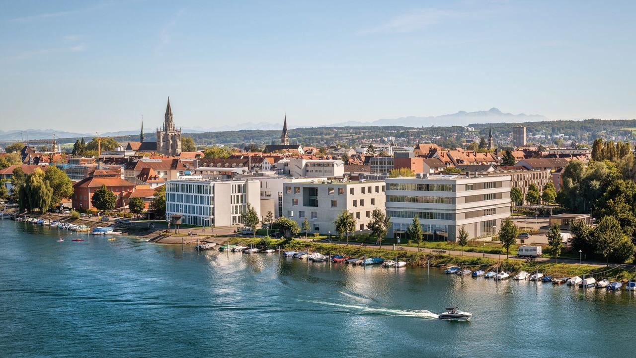 Konstanz-Seerhein-Panorama-HTWG-Muenster-Luftperspektive-Saentis-02_Spaetsommer_Copyright_MTK-Dagmar-Schwelle