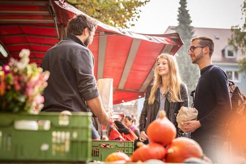 Konstanz-Wochenmarkt-Stephansplatz-Gemuese-04_Herbst_Copyright_MTK-Dagmar-Schwelle