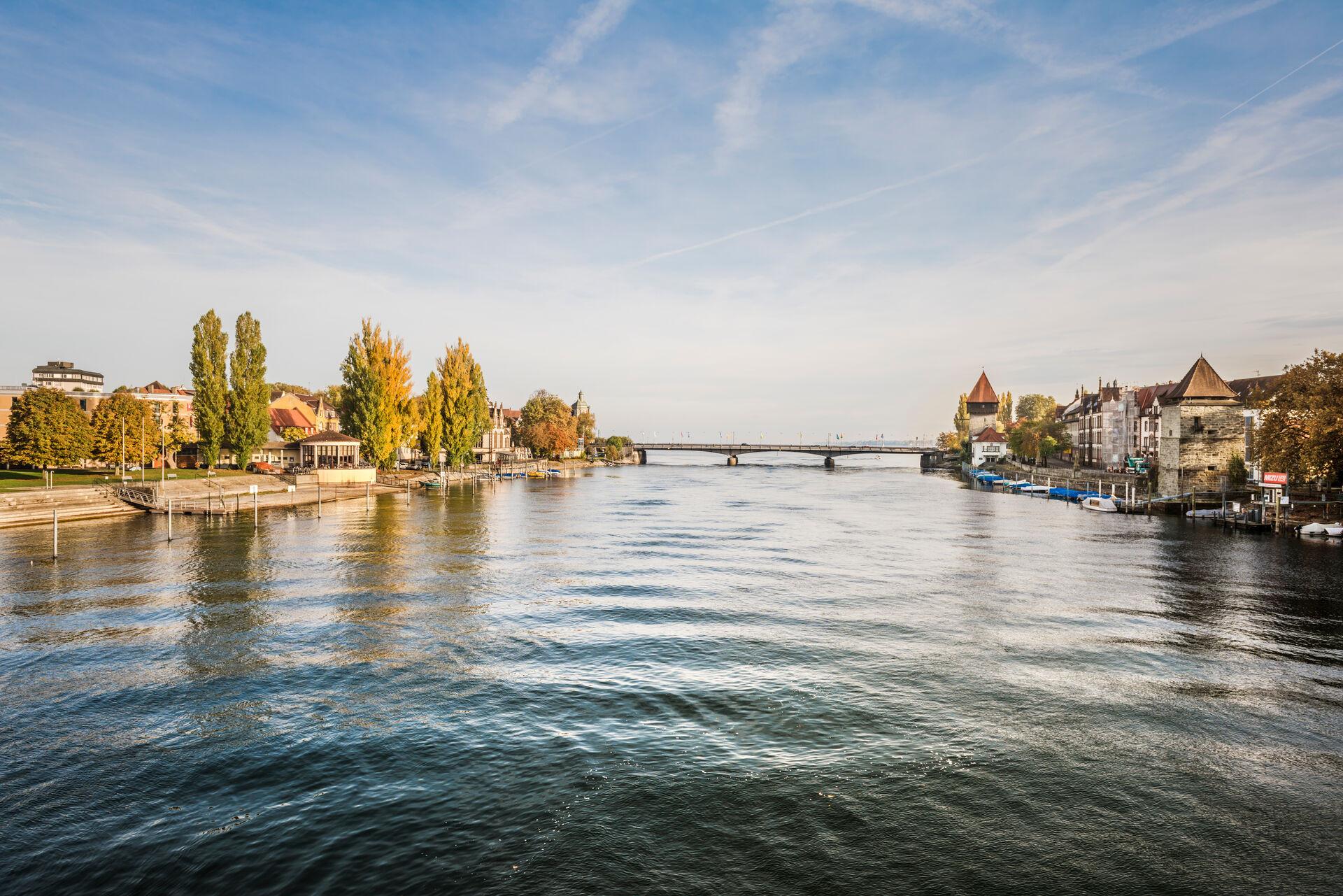 Konstanz-Blick-auf-Rheinbruecke-01_Herbst_Copyright_MTK-Dagmar-Schwelle