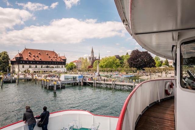 Konstanz-Hafeneinfahrt-vom-Schiff-04_Fruehling_Copyright_MTK-Dagmar-Schwelle